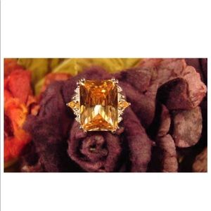 Jewelry - BEAUTIFUL TOPAZ WITH RHINESTONES RING SZ 7! 1/4
